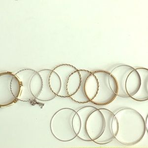 3/$10 D~ Bundle of 14 bracelets